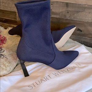 New Stuart Weitzman ankle bootie